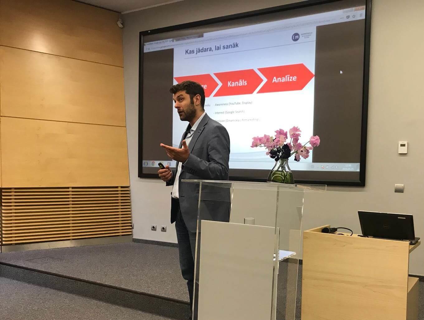 Google seminārs Swedbank klientiem - jāizmanto vairāk nekā viens kanāls mērķu sasniegšanai